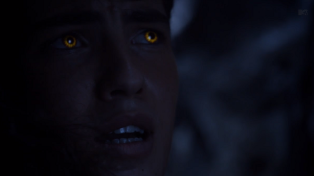 File:Teen Wolf Season 3 Episode 8 Visionary Ian Nelson Young Derek Yellow eyes.png