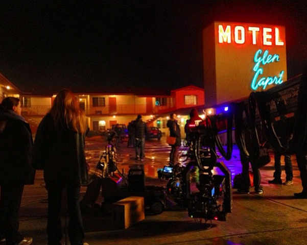 File:Teen Wolf Wikia Season 3 Behind the Scenes Motel Glen Capri.png