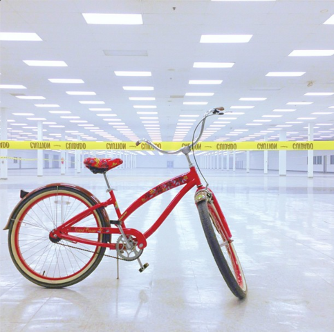 File:Teen Wolf Season 3 Behind the Scenes the white room with bicycle.png
