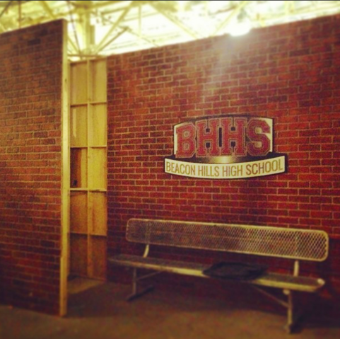 File:Teen Wolf Season 3 Behind the Scenes Beacon Hills High School exterior soundstage set.png