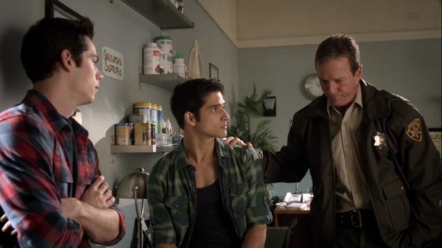 File:Teen Wolf Season 3 Episode 7 Currents Linden Ashby Tyler Posey Dylan O'Brien Sheriff Scott Stiles Vet Missing.png