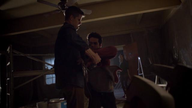 File:Teen Wolf Season 3 Episode 6 Motel California Charlie Carver Dylan O'brien Stiles saves Ethan.png