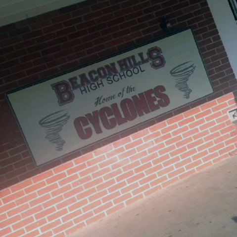 File:Teen Wolf Season 3 Behind the Scenes Pali High signage up for 3b.png