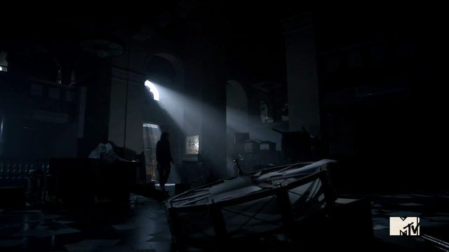 File:Teen Wolf Season 3 Episode 2 Crystal Reed Allison Argent First National Bank of Beacon Hills interior.png