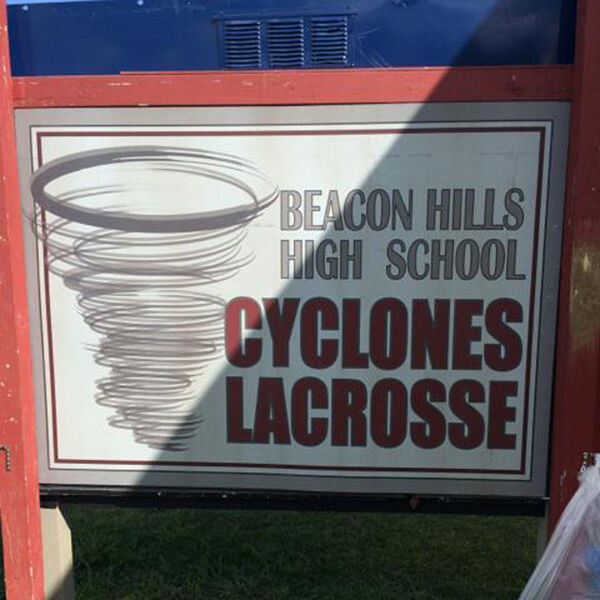 Teen Wolf Season 5 Behind the Scenes Lacrosse Team Sign Woodley Park 030315