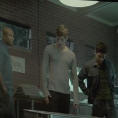 unescène de la saison 3 (Deaton, Isaac, Scott et Derek)
