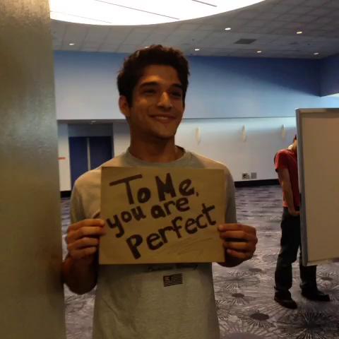 File:Teen Wolf Season 3 Behind the Scenes WonderCon Tyler Posey Proposes.png