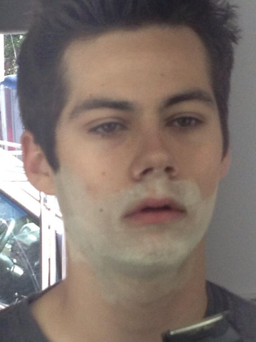 File:Teen Wolf Wikia Season 3 Behind the Scenes Dylan OBrien Powder Face.png