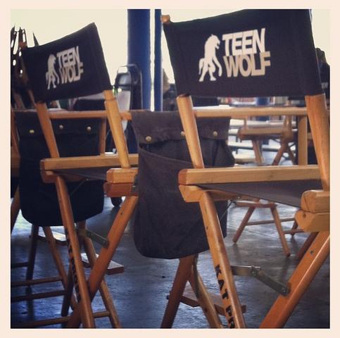 File:Teen Wolf Season 3 Behind the Scenes High School Extra image v delcastillo.png