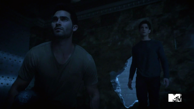File:Teen Wolf Season 3 Episode 2 Tyler Posey Tyler Hoechlin Scott McCall Derek Hale Bank Vault Break In.png