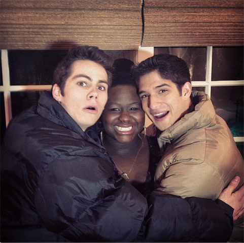 File:Teen Wolf Behind the Scenes Night Shoot Dylan O'Brien Shantal Rhodes Tyler Posey.png