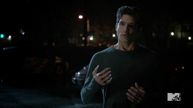 File:Teen Wolf Season 3 Episode 3 Fireflies Tyler Posey Scott McCall enlists Argent.png