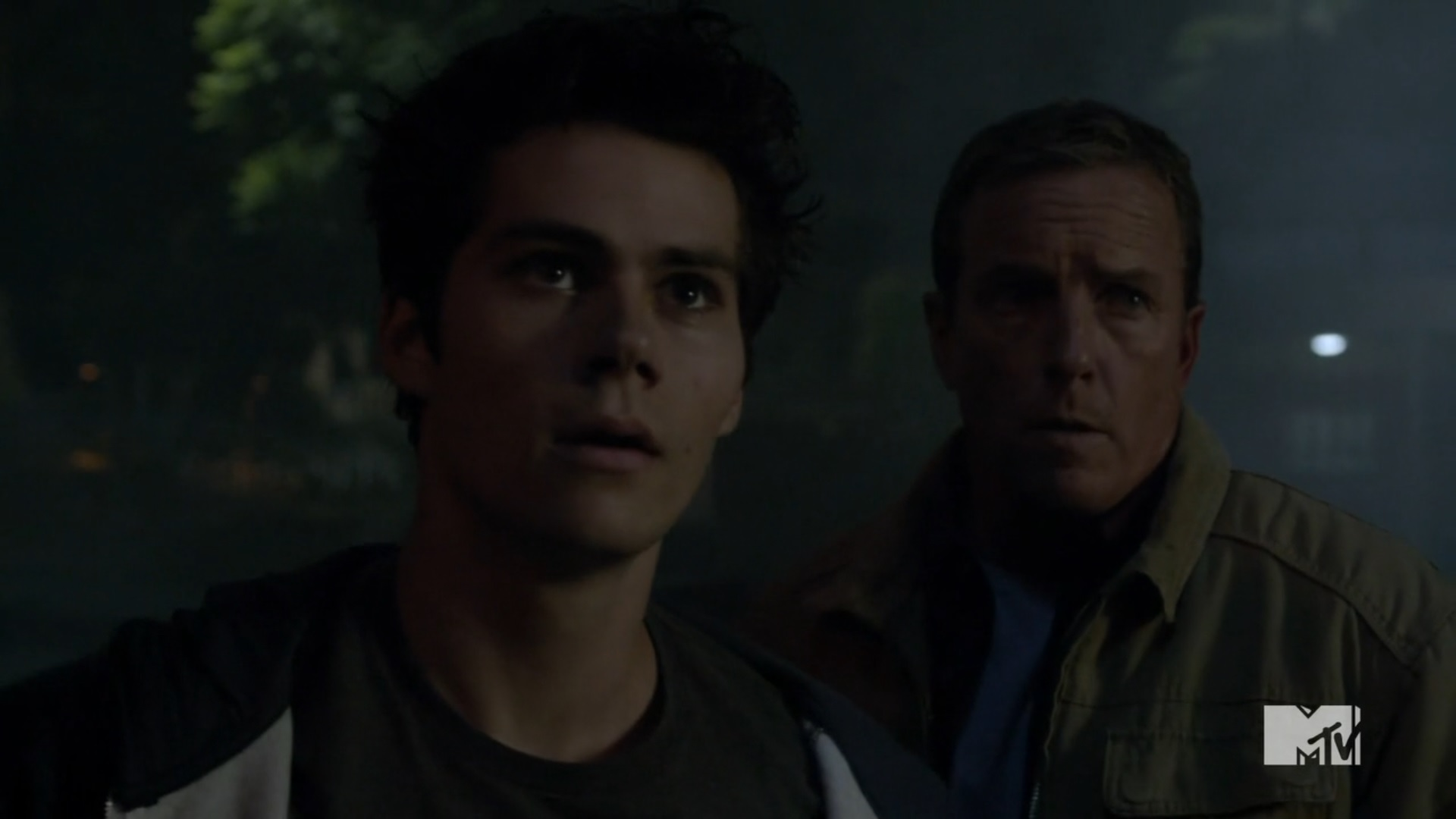 Teen Wolf Season 3 Episode 20 Echo House Dylan Obrien Linden Ashby Stiles And Dad In Front Of Echo House.jpg