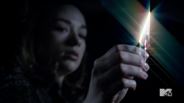 File:Teen Wolf Season 3 Episode 3 Fireflies Crystal Reed Allison Argent Arrow.png