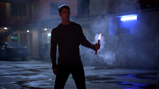 File:Teen Wolf Season 3 Episode 6 Motel California Tyler Posey Scott McCall with Flare.png