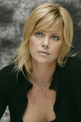 File:Charlize TheronS101.jpg
