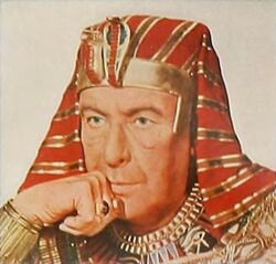 Sir Cedric Hardwicke as the Pharaoh Sethi