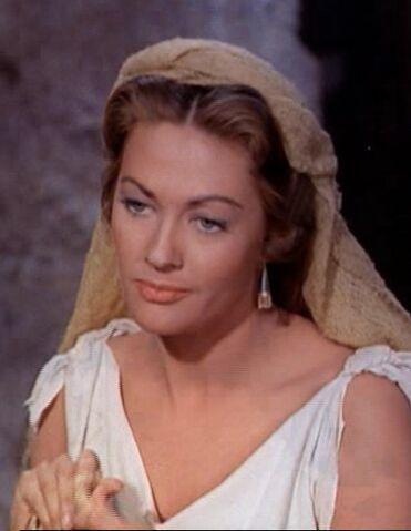 File:Yvonne De Carlo in The Ten Commandments film trailer.jpg