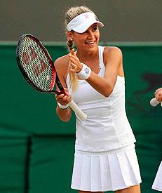 Anna-Kournikova-2010-Wimbledon-Invitational