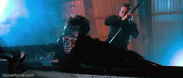 File:Terminator t-1000 killing t-800.jpg