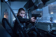 Tg-sarah-film-gun-014