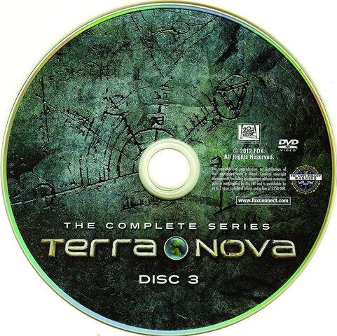 File:Terra Nova The Complete Series 2012 R1-cd3-www.GetDVDCovers.com .jpg
