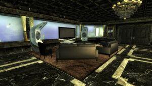 Commander Apartment Living Room