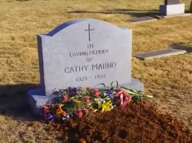 File:Dead Right Cathy's grave.png