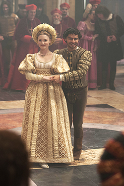 File:013 Siblings episode still of Lucrezia Borgia and Alfonso of Aragon 250px.png