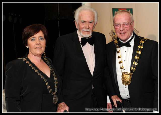 File:Grainne Maguire, Barry Cassin and Fingal Mayor Gerry McGuire.jpg