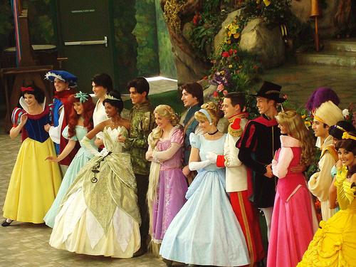 File:Disney Princess and Princes line up.jpg