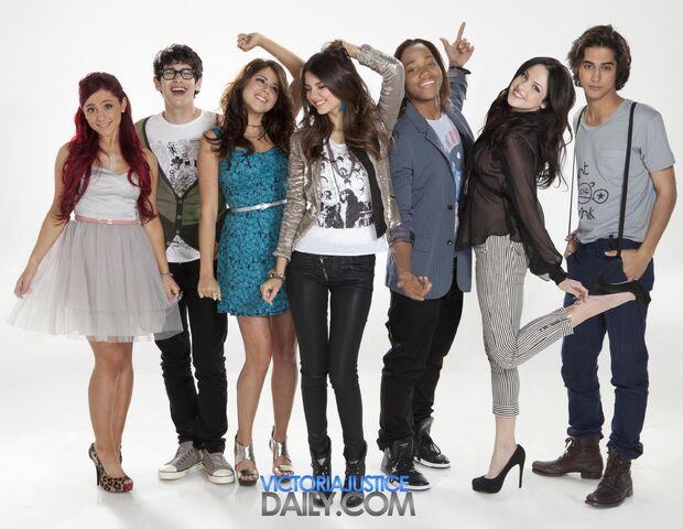 File:Teenage Dreams Promo 2.jpg