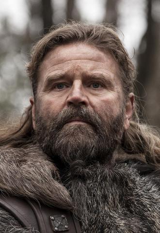 File:Season one Earl Ragnar.png