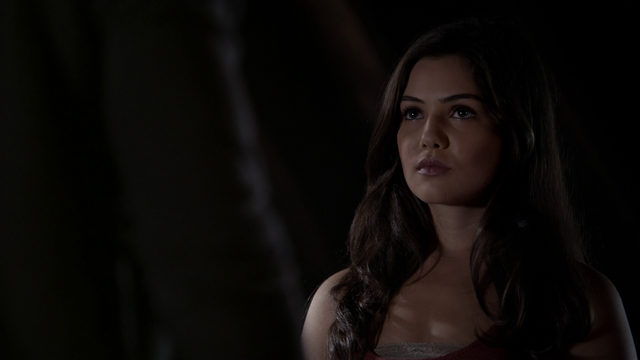 File:Davina-Claire-Girl-in-New-Orleans-the-originals-tv-show-35996018-1280-720.png