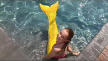 File:Brenna in the pool.png