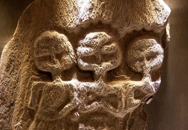 File:Aliens in Bath, UK.jpg
