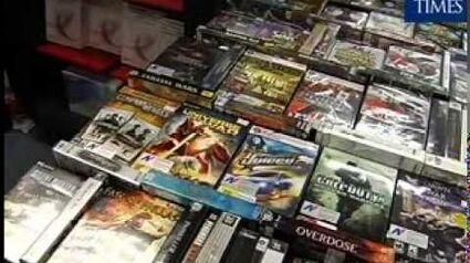 S'pore bans Mass Effect video game for lesbian scene (November 2007)