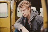 Luke Mitchell 011