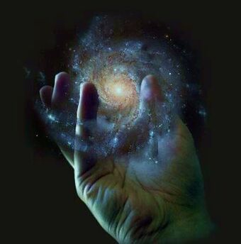 Holdingthe universe