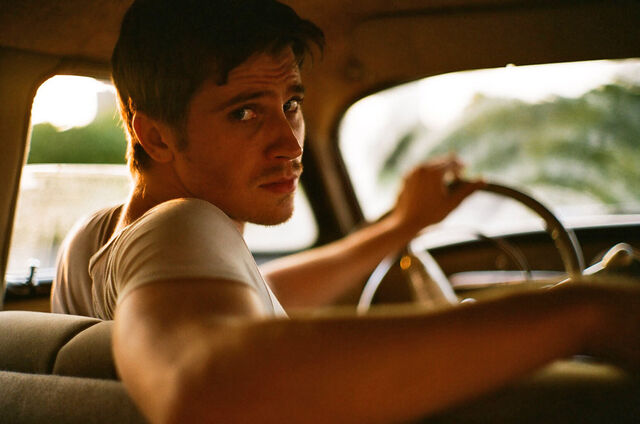 File:Interview-Garrett-Hedlund-Talks-About-His-Role-in-On-the-Road.jpg