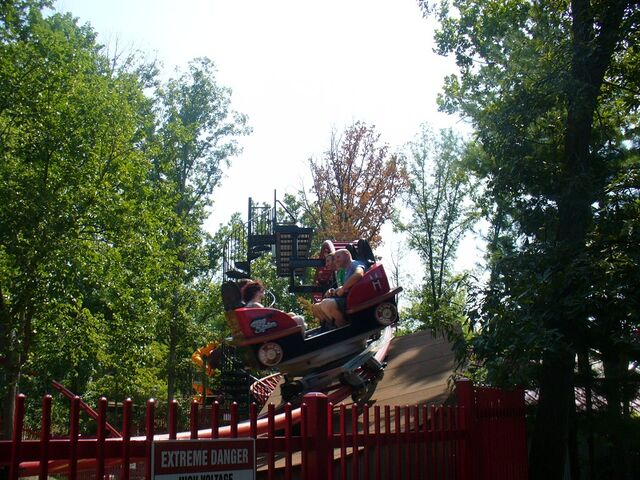File:Tony Hawk's Big Spin (Six Flags St. Louis).jpg