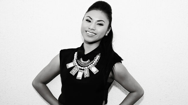 File:Ellona-Santiago-X-Factor-Finalist.jpg