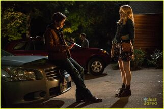 Chloe-moretz-nick-robinson-new-5th-wave-pics-clips-01