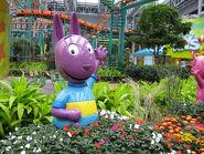 The Backyardigans Austin Statue at Nickelodeon Universe