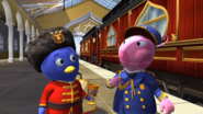 The Backyardigans Catch that Train! 5 Uniqua Pablo