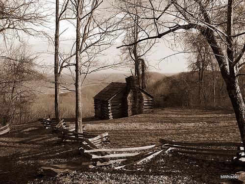 File:Trail House.jpg