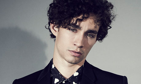 File:Robert-Sheehan-008.jpg