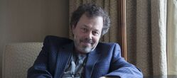 Curtis Armstrong