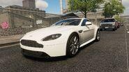 AstonMartin V8 Vantage FULL