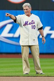 Philadelphia Phillies v New York Mets 8vuwr6WqNY0l